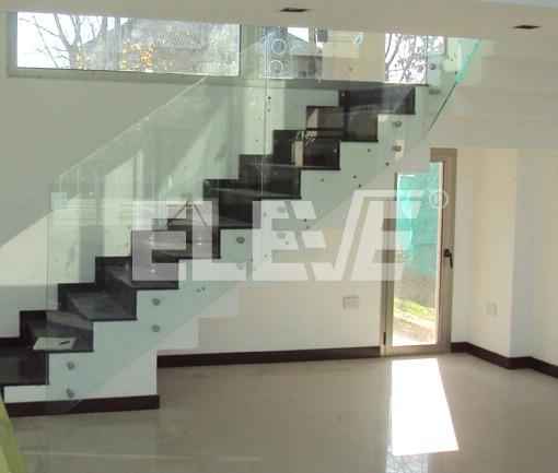 Barandas de vidrio minimalistas for Barandas de terrazas modernas