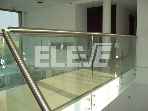Baranda de vidrio templado puente pasamanos de acero for Barandas de vidrio y acero