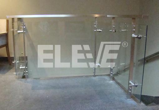 Baranda de cristal y accesorios de dise o for Barandas de vidrio y acero