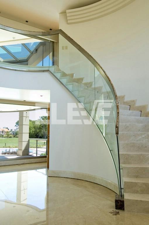 Barandales en vidrio templado car interior design - Pasamanos de cristal ...
