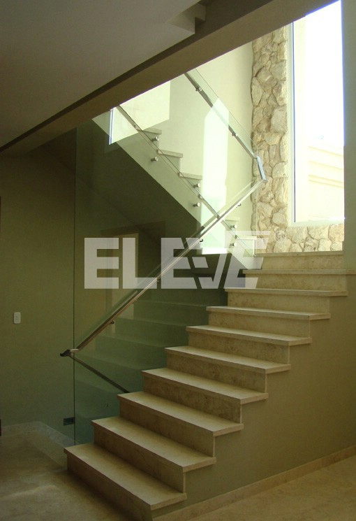 Baranda de piedra m rmol vidrio y acero dise o sencillo for Barandas de vidrio y acero