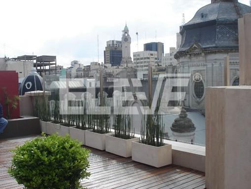 Baranda de terraza en vidrio laminado y parantes de acero for Barandas para terrazas