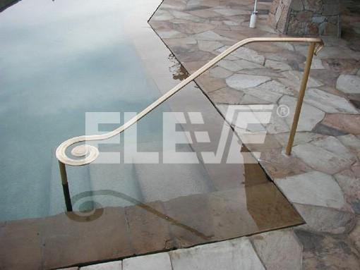 Pasamano de dise o para acceso a piscina seguridad en el for Piscina sainz de baranda