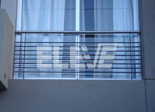 Baranda de protecci n de ventana tipo balc n franc s de hierro con pasamano - Barandas de hierro modernas ...