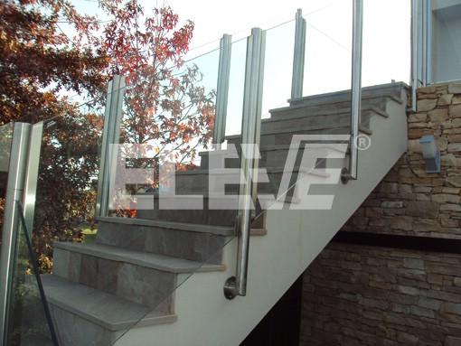 baranda para exteriores en acero inoxidable con vidrio laminado ue