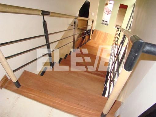 Barandas de escaleras - Baranda de madera ...