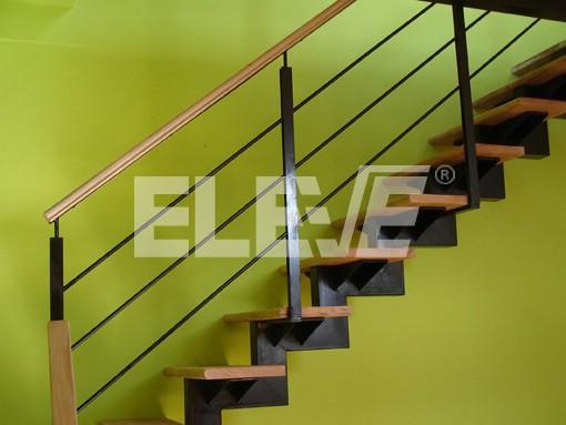 Barandas de escaleras metalicas baranda de acero for Barandas de madera para escaleras interiores