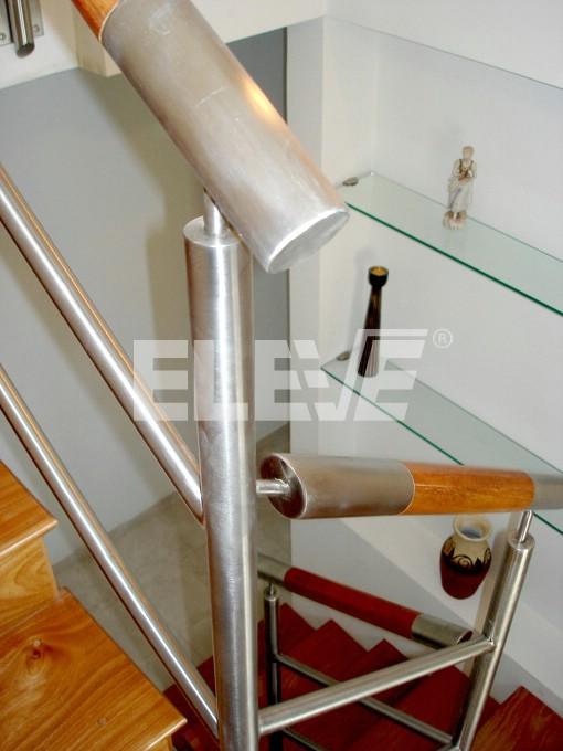 Modelo de baranda de escalera con pasamanos de madera - Barandas de madera para escaleras ...