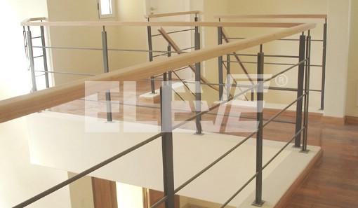 Baranda en hierro con pasamano de madera - Barandas de madera para escaleras ...