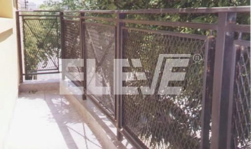 Baranda de balc n en hierro y metal desplegado - Barandas de terrazas ...