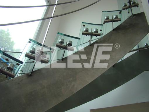 escaleras de vidrio y acero inoxidable