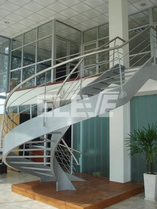 Casas chalets y otras obras circulares imagui for Escaleras helicoidales