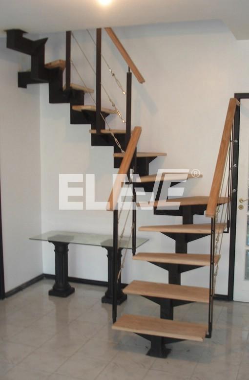 Escalera como elemento de decoraci n en el hogar for Imagenes de escaleras metalicas