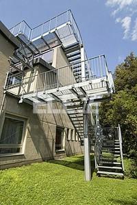 escalera exterior de incendio pasarelas de conexin a edificio ue