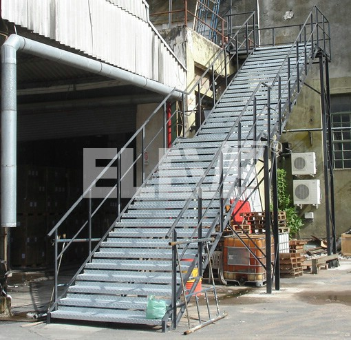 Escalera de escape para incendio estructura reticulada for Escaleras de material