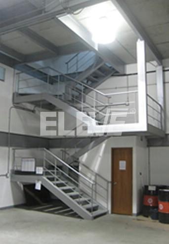 Escalera interior de incendio dise o apoyado a muros - Diseno de escaleras de interior ...