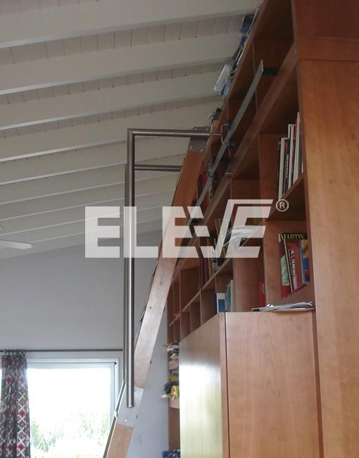Elegante escalera de biblioteca de madera baranda de - Escalera de biblioteca ...