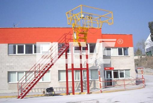 Imagen de escalera fija para acceso a la cubierta de camiones - Escaleras para almacen ...