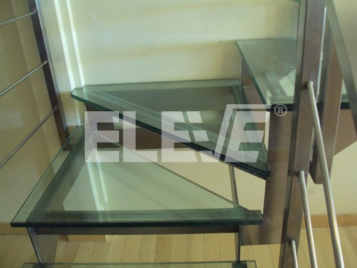 Descanso de escalera en l corte del dise o del descanso for Escaleras con descanso para interior