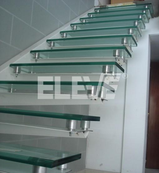 Dise o en escaleras en mensula pelda os de vidrio accesorios - Escaleras de vidrio ...