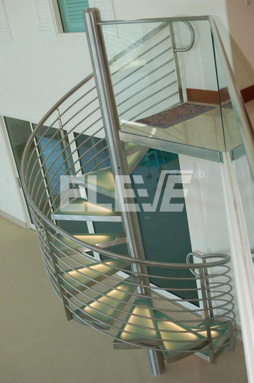 Escalera caracol de estructura de acero inoxidable - Fotos de escaleras caracol ...