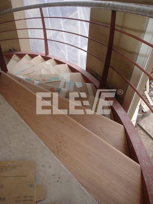 Escalera caracol con caj n helicoidal pelda os de madera - Escaleras de caracol de madera ...
