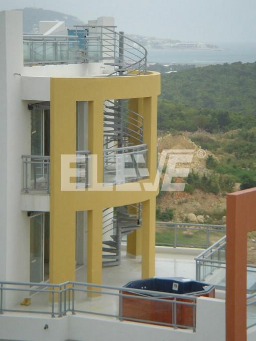 Escalera caracol exterior para balcones y terrazas for Modelos de escaleras exteriores para casas