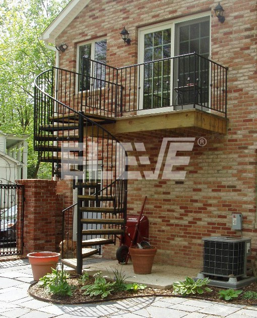 Escalera caracol tradicional baranda de balustres de - Escalera caracol exterior ...
