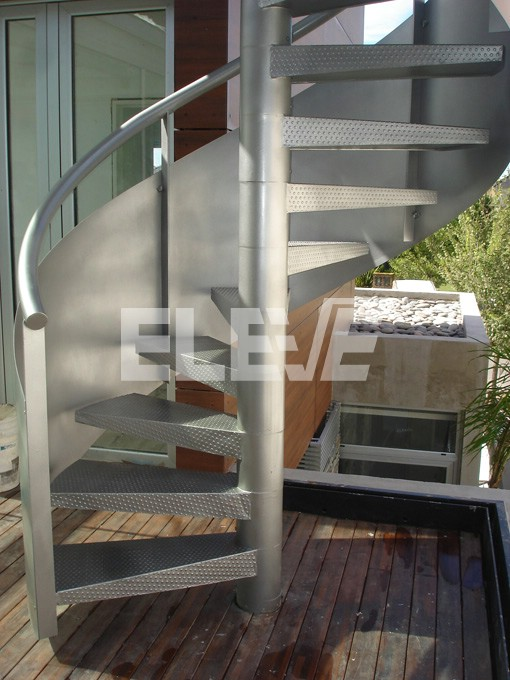 Escalera caracol con cinta helicoidal de altura baranda - Pintura para escaleras ...