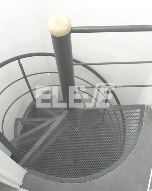 escalera caracol de metal desplegado y baranda liviana de hierro ue