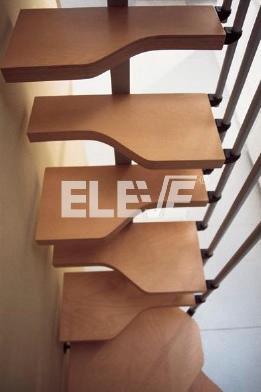 Nuestra escalera de pasos alternados taringa for Como hacer una escalera para entrepiso