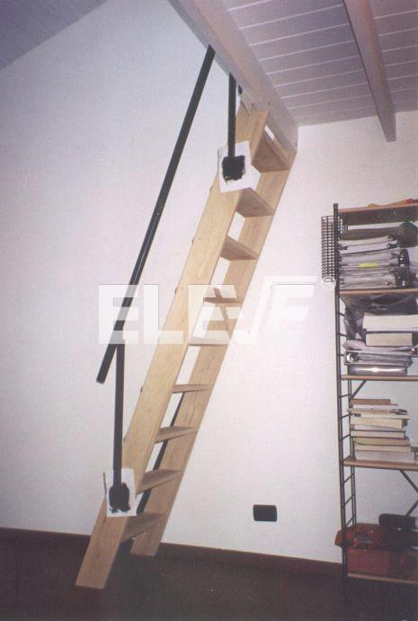 Escaleras marineras en madera para espacios reducidos - Escaleras para altillos ...