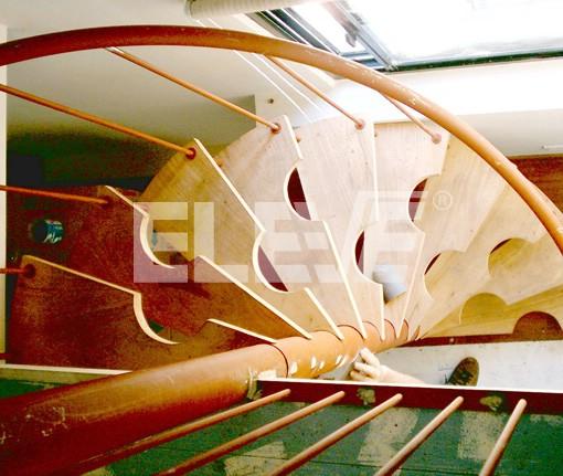 Escalera medio caracol para poco espacio medidas acotadas for Escaleras de poco espacio