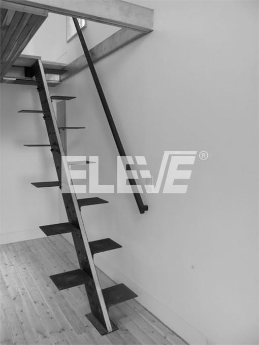 Escaleras de pasos alternados en kit, pie derecho, peldaños alternados