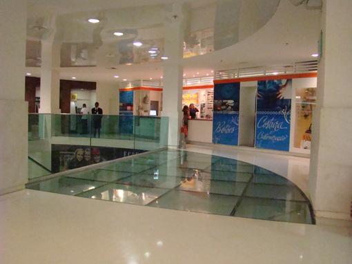 piso de vidrio de paseo comercial