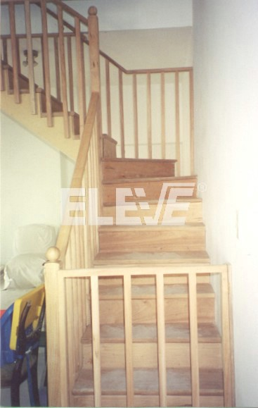 Escaleras En Madera Con Puertas En Inicio Y Llegada Seguridad Para - Escaleras-de-madera-para-exteriores